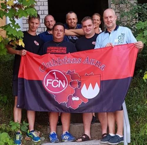 Foto Spendenübergabe Glubbfans Auna an Wettelsheim hilft II